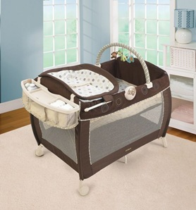 Carter-s-Safari-Friends-Comfort--n-Care-Playard---Changer