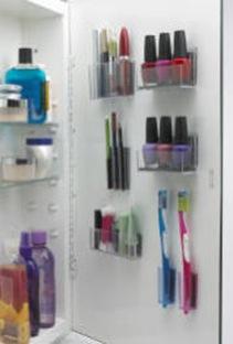 MagnaPods_in_Medicine_Cabinet_Small