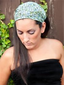 green-blue-headwrap-model