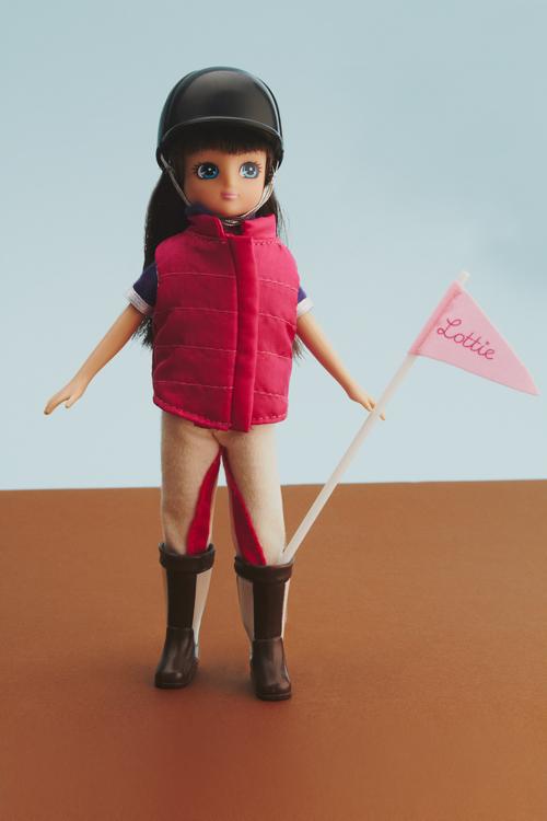 pony-flag-race-lottie-doll-1