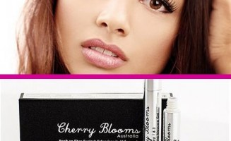 Cherry-Blooms-Mascara-Brush-On-Fiber-Lash-Extensions-In-60-Seconds-Product-Shot-1b-450x400