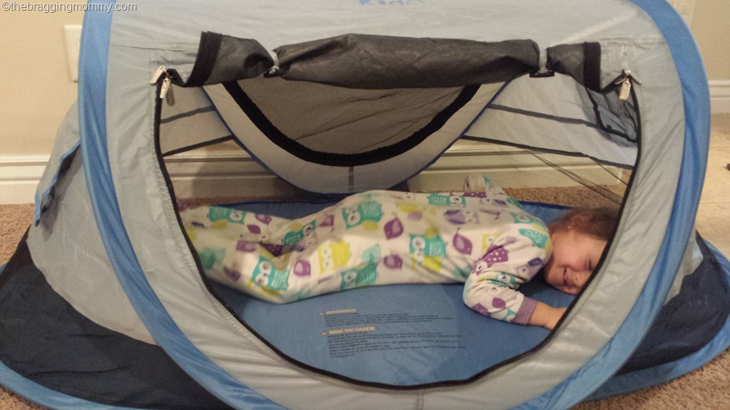 A Fun Travel Bed For Your Child Kidco Peapod Plus Review And Giveaway