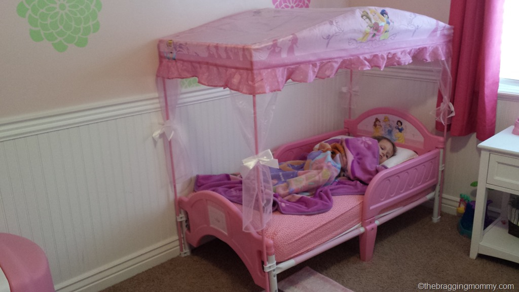a princess nights sleep disney princess canopy toddler. Black Bedroom Furniture Sets. Home Design Ideas