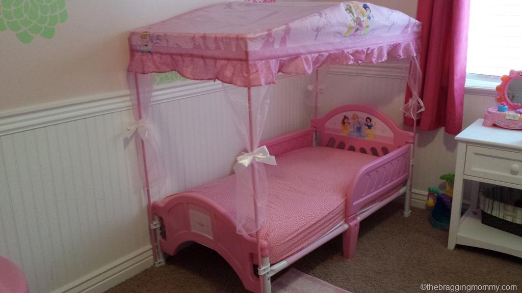 20150121_135401 - A Princess Nights Sleep ~ Disney Princess Canopy Toddler Bed Review