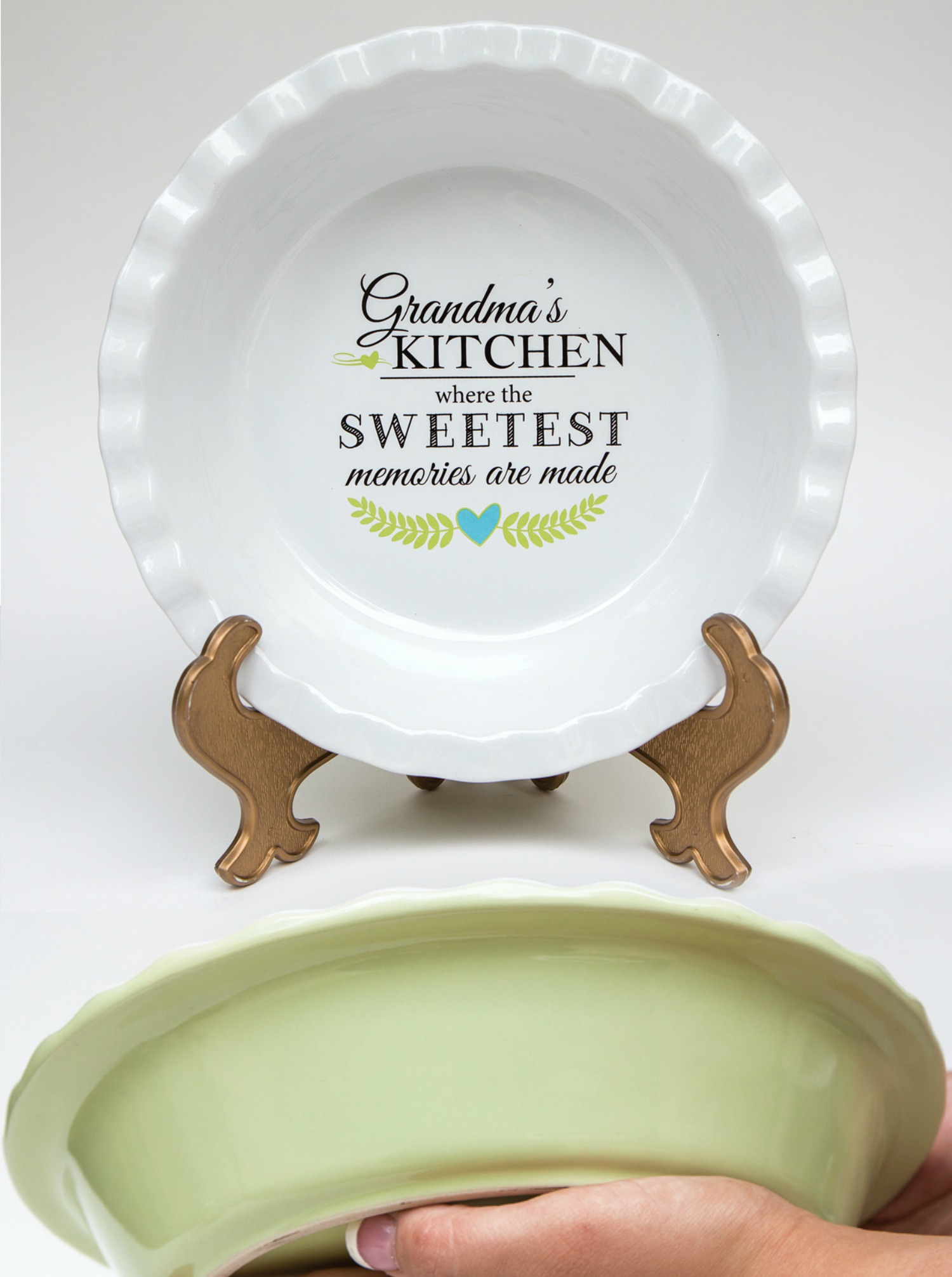 The Grandparent Gift Co. Pie Plates Review + Giveaway!