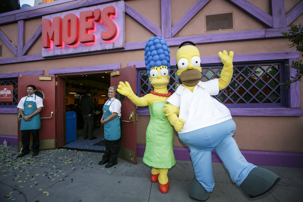 """UNIVERSAL STUDIOS HOLLYWOOD - THEME PARKS -- """"Springfield"""" grand opening at Universal Studios Hollywood -- Pictured: (l-r) Marge and Homer Simpson -- (Photo by: David Sprague/Universal Studios Hollywood)"""