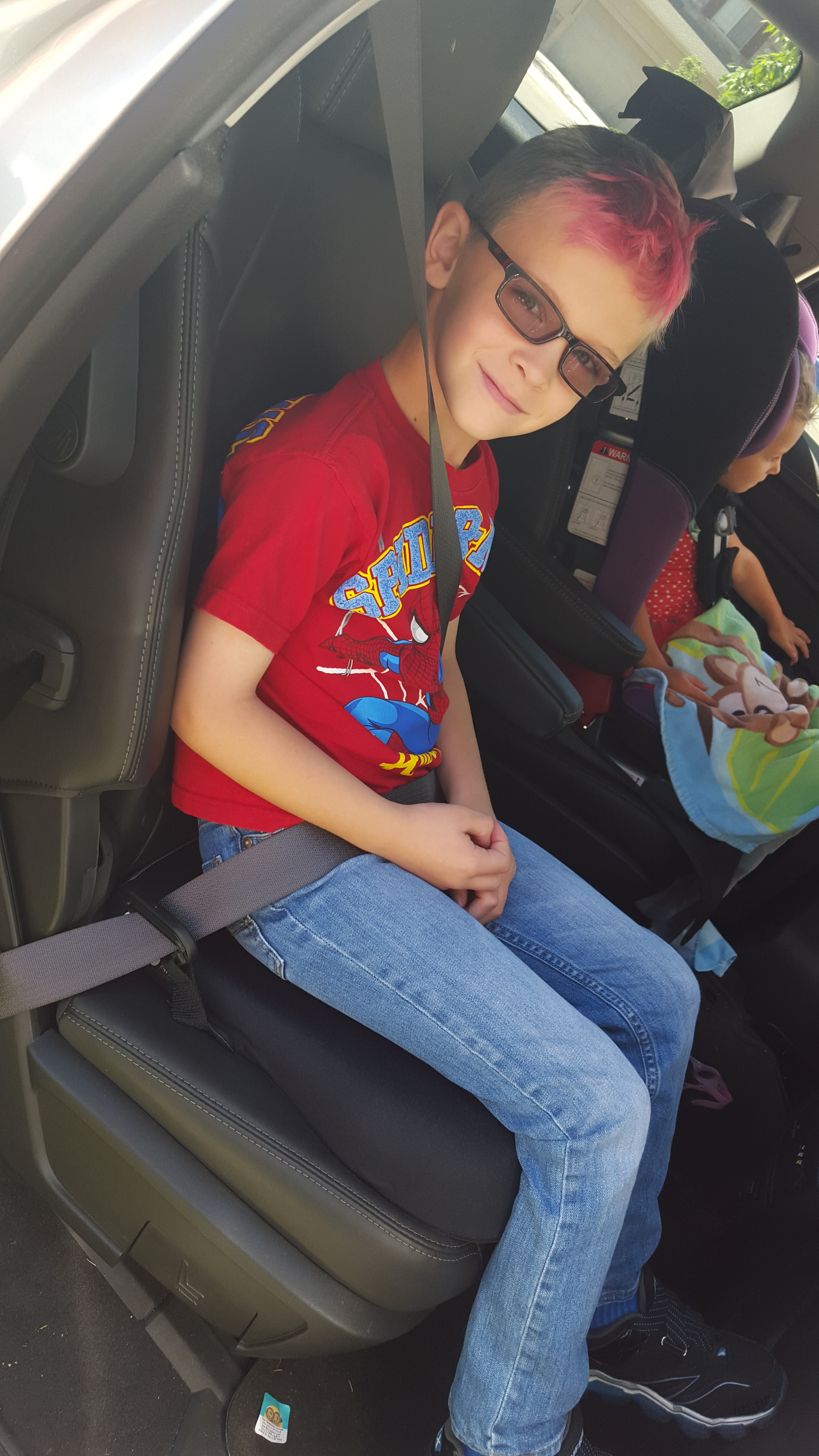 The Importance of Keeping Your Older Child in a Booster Car Seat + Safety 1st Incognito Kid Positioning Seat Giveaway