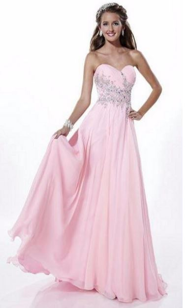 Advantages of Buying Your Prom Dress Online