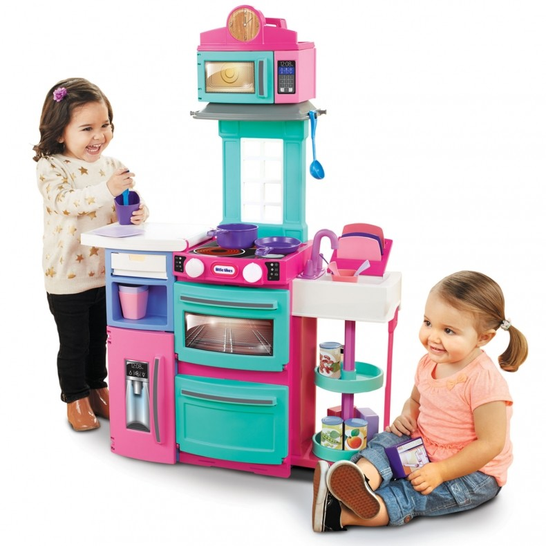 639463-cooking-girls-kitchen_xlarge