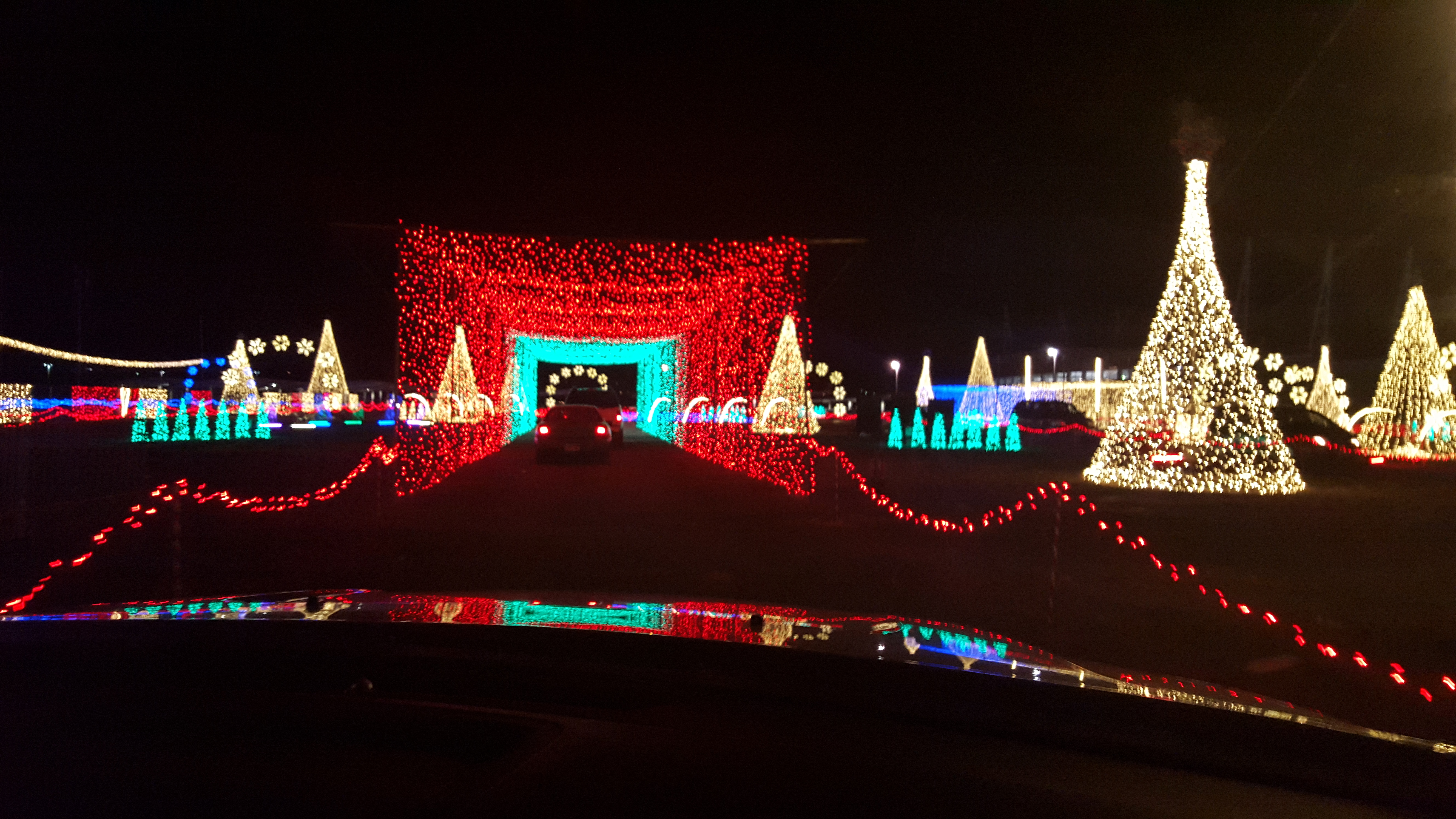 Drive Through Christmas Lights.Drive By Christmas Lights Christmas Lights