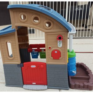 Eco-Friendly Fun with the Little Tikes Go Green Playhouse! @LittleTikes #LittleTikes