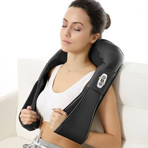 Relaxing with the Naipo Shoulder Massager ~ My Review