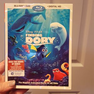 {Brag Worthy Christmas} Finding Dory on Blu-ray is a Must Have Family Gift This Year!