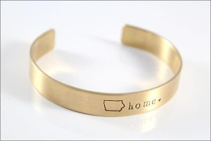 south_dakota_gold_cuff_bracelet_grande