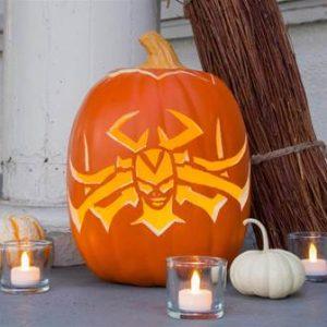 "DIY ""Hela-ween"" Pumpkin and Hela Headdress Designs + Mjolnir Candy Apples Recipe #ThorRagnarokEvent"